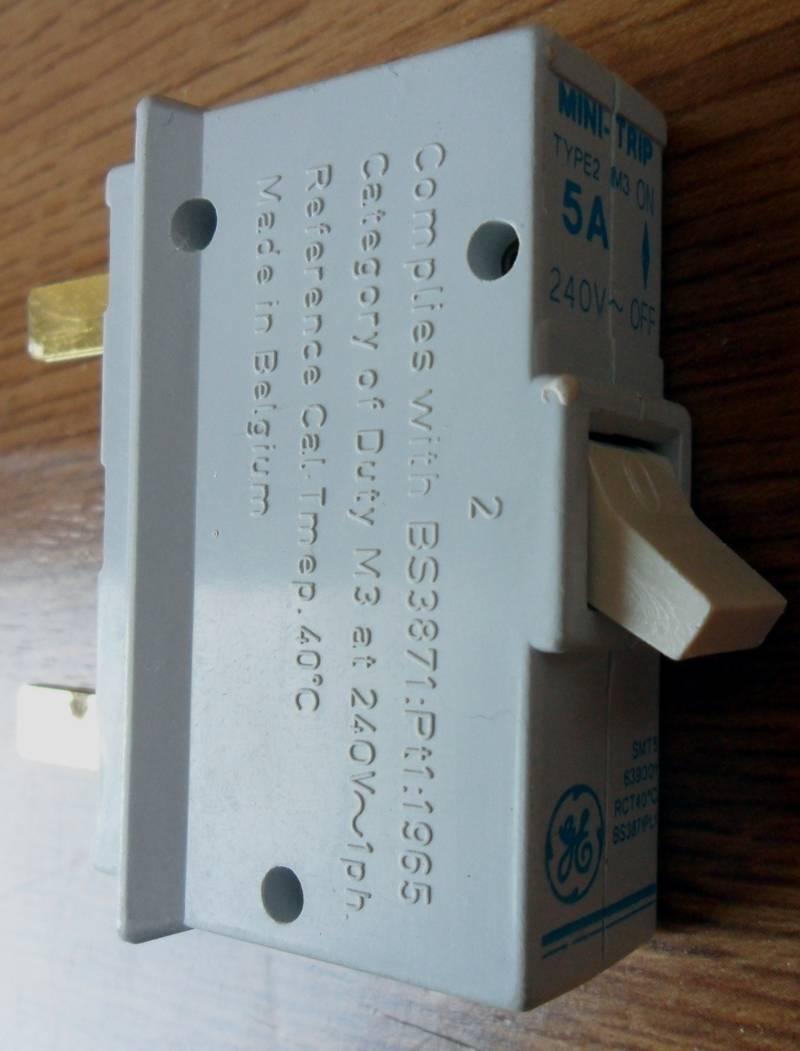 BS3871 Circuit Breaker