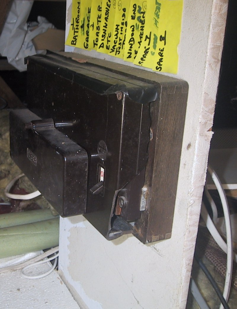 Electrical Diy Disaster Broken Fuse Box A Second Fusebox In The Loft This Time With Piece Of Side